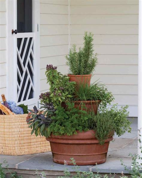Planter Tower by 10 Ways To Show Your Green Thumb With Cool Diy Planters