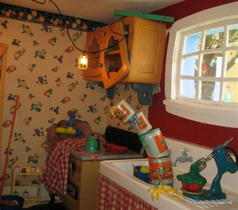 Mickey Kitchen by Mickey Mouse S Country House At Disney World Hooked On