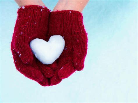 images of love hands gambar tangan dengan simbol love cinta