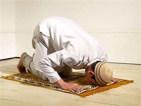 Why Do Muslims Pray On A Mat by Prayer Rugs Muslim Prayer Carpets Praying Rugs