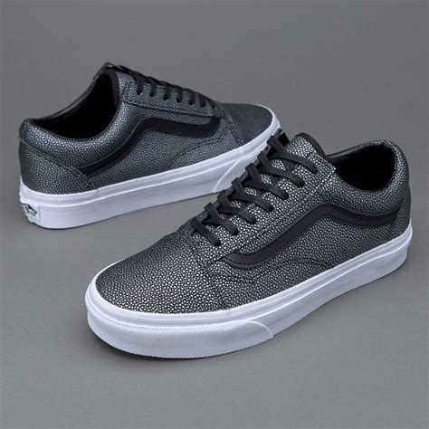 Sepatu Vans Skool Black White sepatu sneakers vans womens skool embossed stingray black