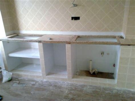 砖砌厨房灶台步骤图; >