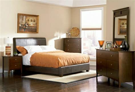 schlafzimmerwand ideen schlafzimmer ideen braunes bett rheumri