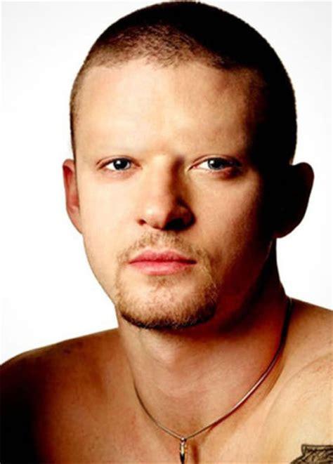 man with shaved eyebrows famosos sem sobrancelhas 30 fotos mdig