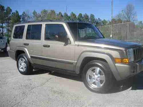2006 Jeep Commander Gas Mileage Buy Used 2006 Jeep Commander Limited Sport Utility 4 Door