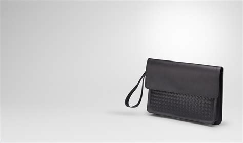Pouch Bottega Veneta Document Intrecciato Vn Small Hitam So7462 bottega veneta 174 document in nero calf intrecciato details