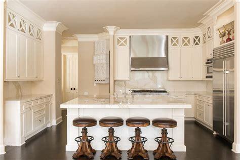 kilim beige kilim beige bedroom craftsman with tub quartz movement