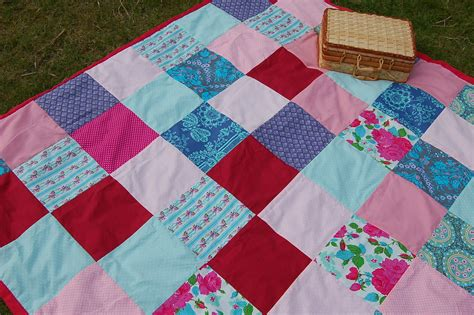 Patchwork Picnic Blanket - cozy diy blanket patterns that will keep baby warm on