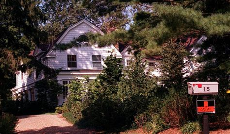hillary clinton house chappaqua the house in the hamlet of chappaqua n y which is being