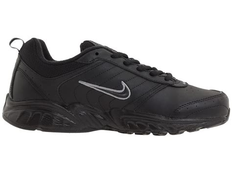 nike slip resistant shoes nike non slip shoes 28 images nike non slip shoes for