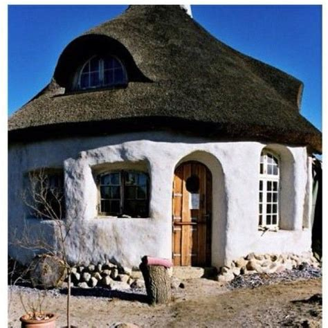 cob dog house 528 best images about gnome house on pinterest plaster adobe and cob house interior