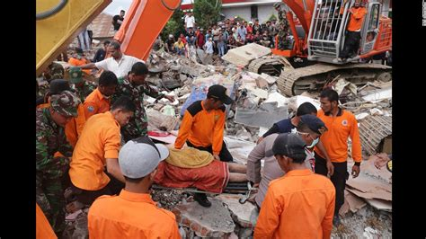 earthquake just now in indonesia indonesia earthquake at least 100 killed in aceh province