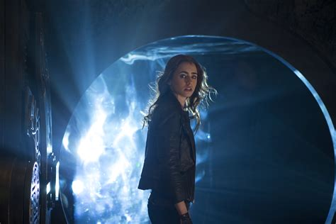 the mortal instruments sony pictures shares more stills from the mortal