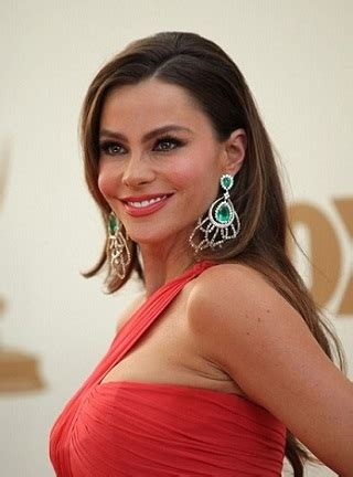 sofia vergara american accent does sof 237 a vergara exaggerate her accent modern family