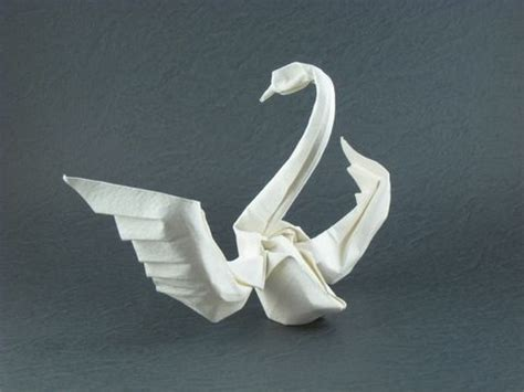 How To Swan Origami - best 25 origami swan ideas on origami
