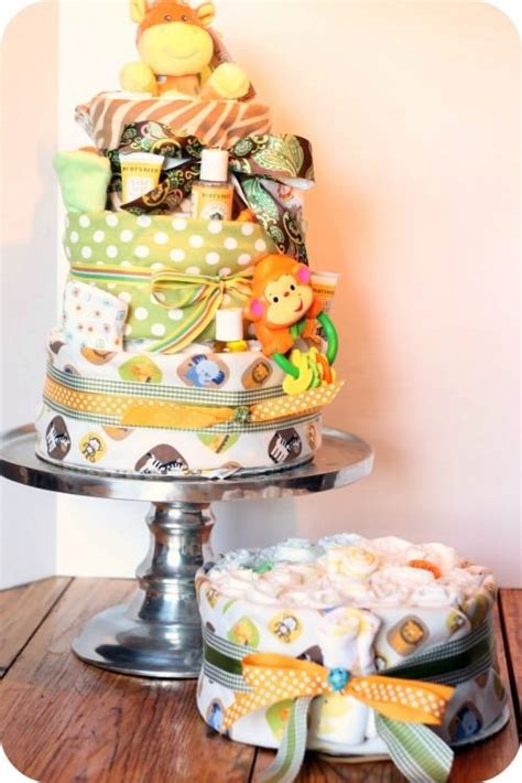 Diy Baby Shower Gifts by 60 Popular Baby Shower Presents Tip Junkie