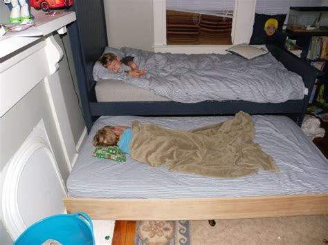 bed meaning 1000 ideas about trundle beds on pinterest trundle bunk