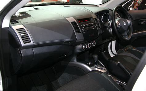 outlander mitsubishi inside mitsubishi outlander price modifications pictures