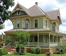 Small Victorian Houses Small Victorian Homes Salon Pinterest