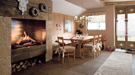 interni di rustiche cucine rustiche per di montagna madgeweb idee
