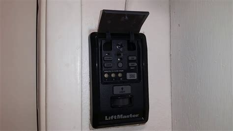liftmaster lm control panel beeping  flashing red