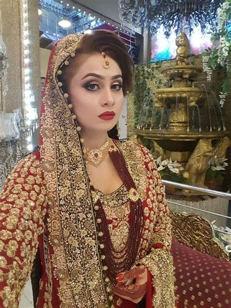 Dress Muslim Anum 17 best images about kashee s bridal makeup on actresses pakistan fashion and curls