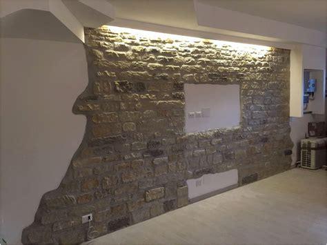 finte pietre per interni rivestimenti pareti interne soggiorno elegante
