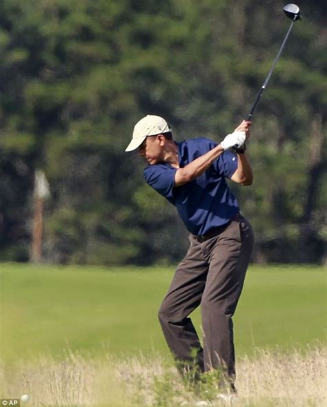 obama golf swing obama golfs in martha s vineyard after increasing his