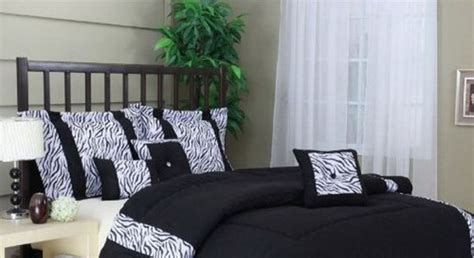 black bedroom comforter sets black and white bedspreads decorating ideas