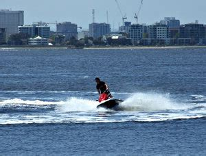 water scooter stand up jet splash gratis stock foto s rgbstock gratis
