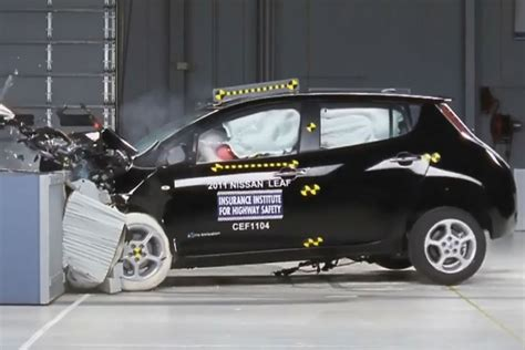 car crash test nissan leaf and chevrolet volt got highest safety ratings
