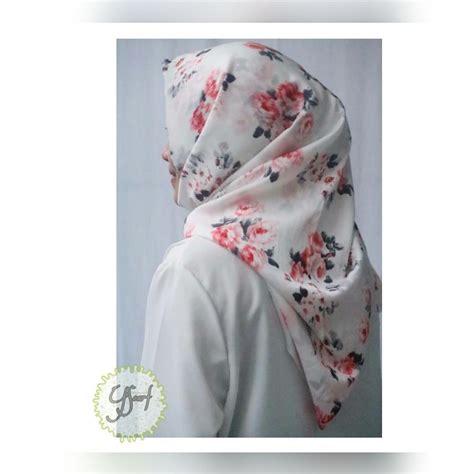 Scarf Segi Empat Satin Maxmara 110 Cm2 Motif Cantik 015 scarf murmer jilbab kerudung ibuhamil