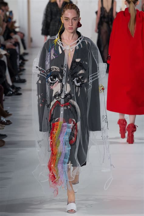 Margiela Brings Recycling To 2007 Haute Couture by Galliano S Deconstruction Of American Democracy On