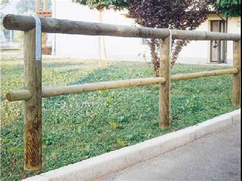 palizzate in legno per giardino oltre 20 migliori idee su steccato giardino su