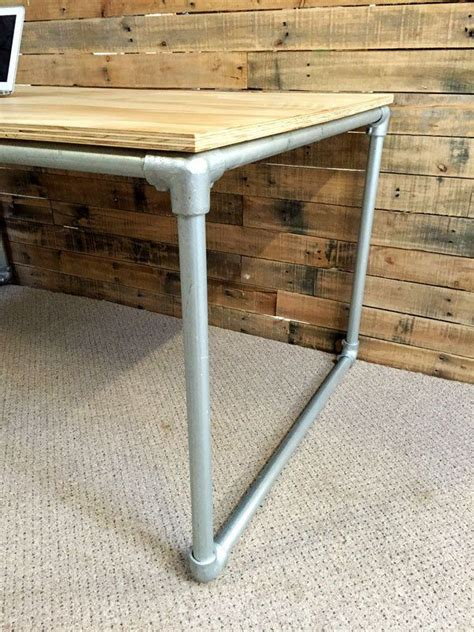 Plywood Desk Diy 25 Best Ideas About Plywood Desk On Pinterest Office L Office Table Design And Desk Stool