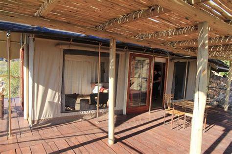 zelt terrasse bild quot unser zelt und terrasse quot zu hotel erongo wilderness