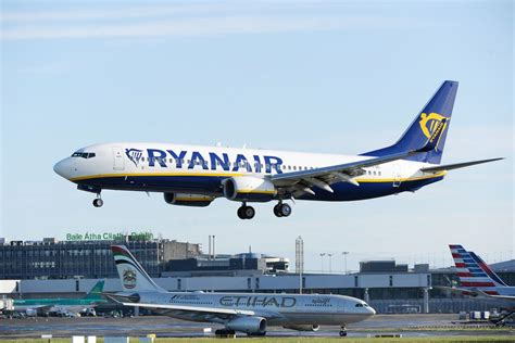 Gayung Air ryanair s pilot base rejects peace offering bloomberg