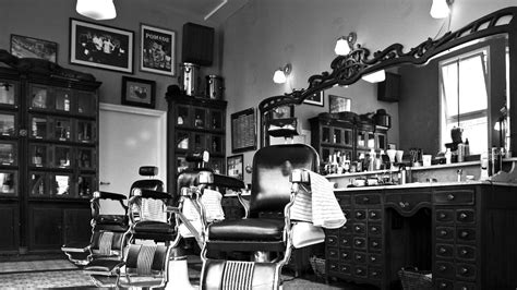 old fashinoned hairdressers and there salon potos dear barber