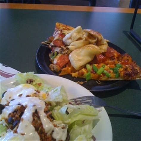 Round Table Pizza Buffet Round Table Pizza Pizza Oakley Ca Reviews Photos