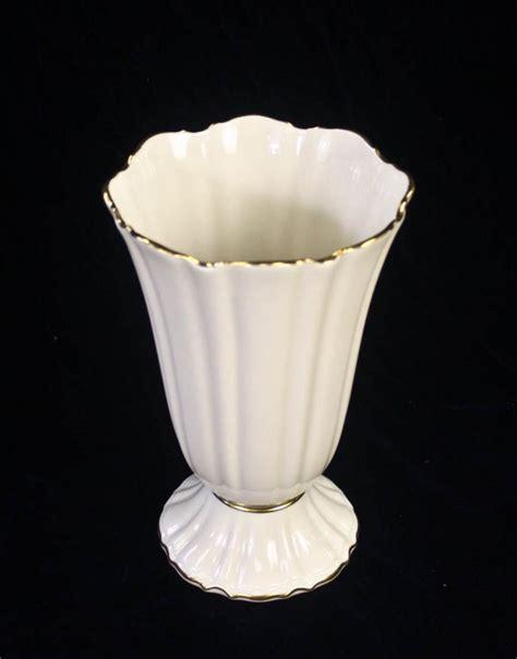 30 lenox vase lot 30
