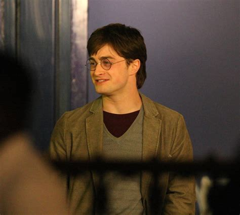 daniel radcliffe harry potter deathly hallows daniel radcliffe in celebs on the set of harry potter and