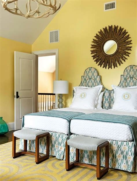 decorate  twin beds