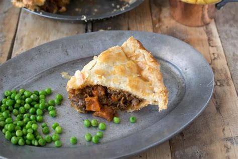 Baking Pastry Blind Without Beans British Steak And Ale Pie Food Fanatic