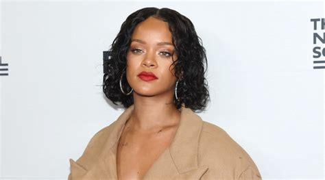 Md Rihanna Kotak Merah cantik berbalut gaun ala balerina rihanna jadi bahan pembicaraan netizen kabar berita