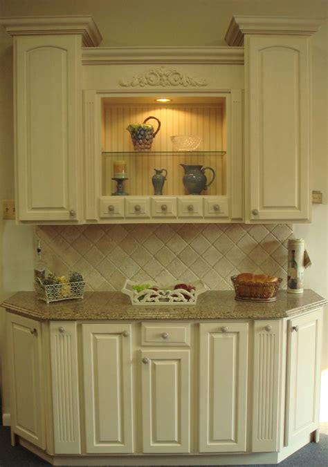yorktowne antique white cabinets  sienna ridge
