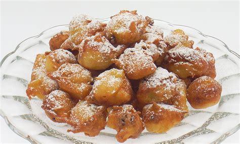 cucina frittelle di carnevale ricetta frittelle di carnevale alle mele e uvetta paneangeli