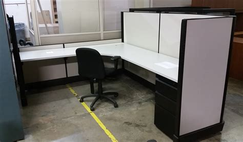 herman miller desk used herman miller 8 5 x 7 cubicle uf99x thrifty office