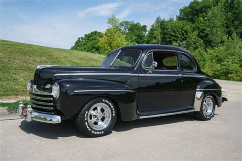 Wheels Retro Ford De Luxe Back To The Future 1947 ford deluxe rod all steel air conditioning 4 wheel discs for sale photos