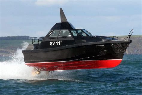 extreme dinghy boat watch this carbon fiber barracuda the most extreme boat