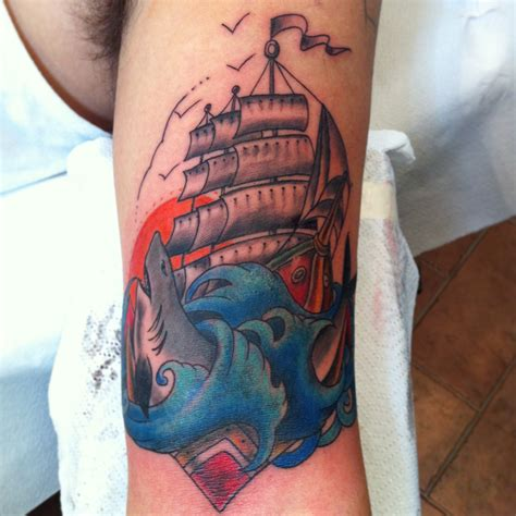 veliero old school tattoo veliero ideas tattoo 18 roma